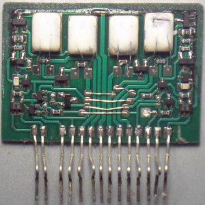Circuito integrado STK402-120 falsificado por dentro.